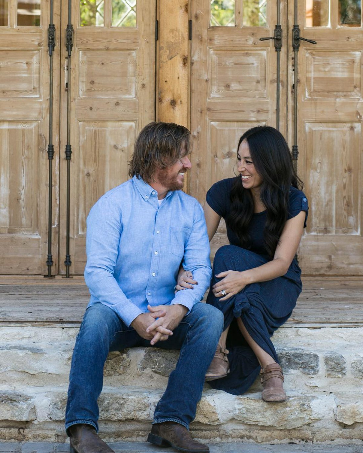 Chip Gaines And Joanna Gaines 39 New 39 Fixer Upper Behind
