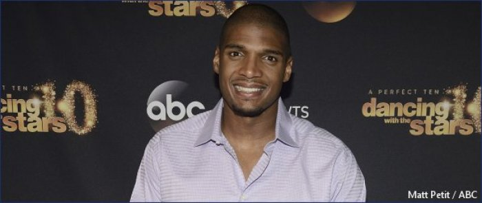 Dancing with the Stars  sends home Michael Sam and partner Peta ... 3715063df