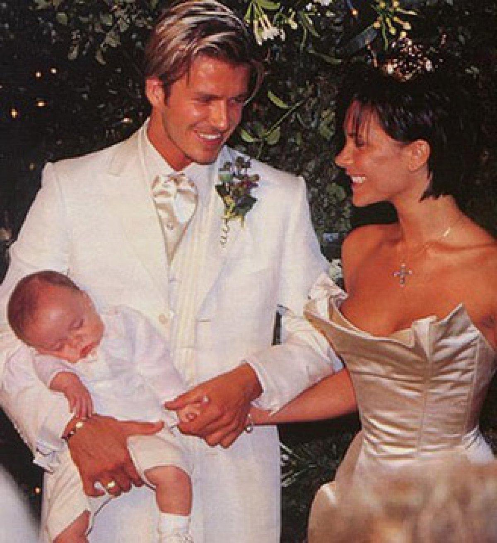 David Beckham and Victoria Beckham celebrate 18th wedding ...