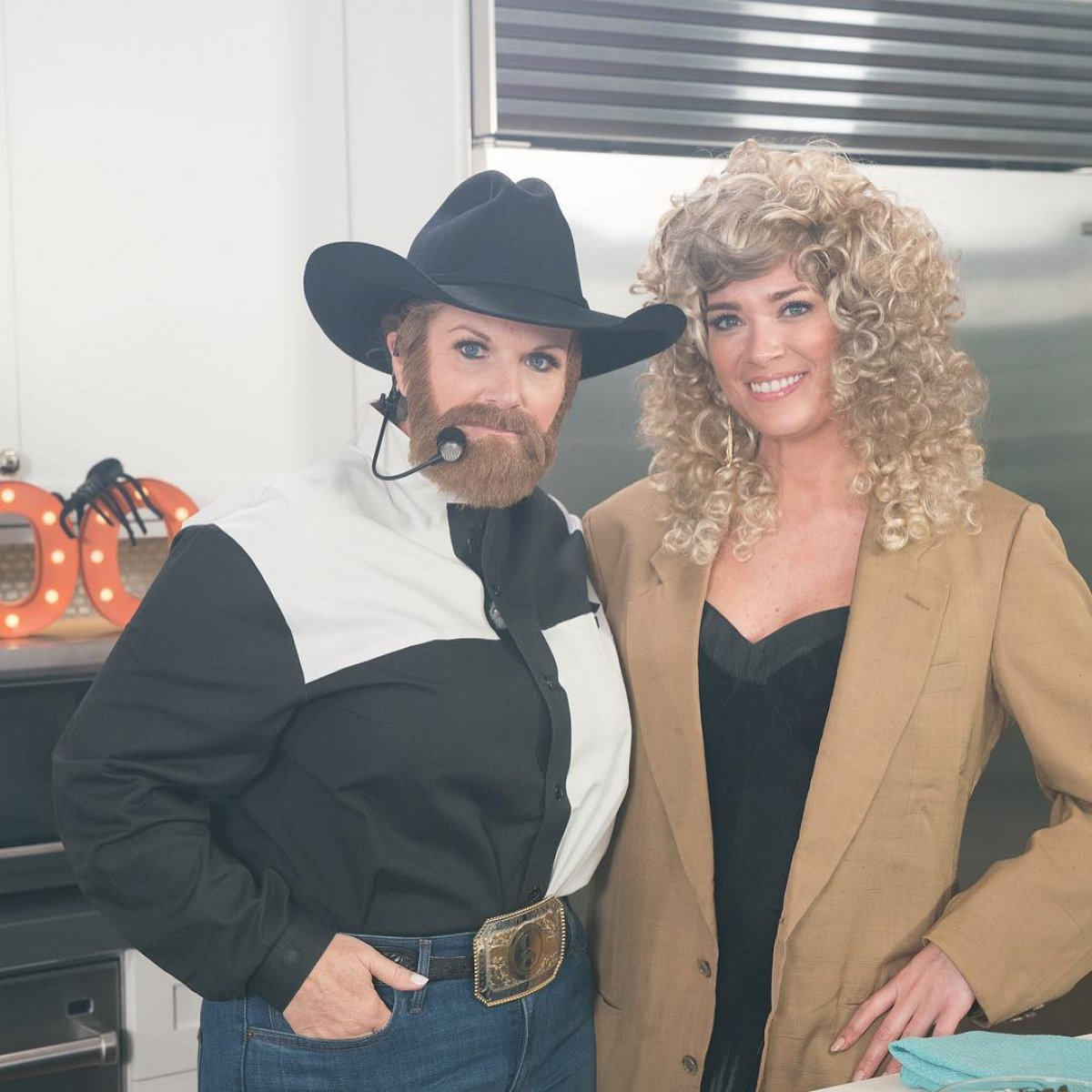Trisha Yearwood dresses up as husband Garth Brooks for \'Trisha\'s ...