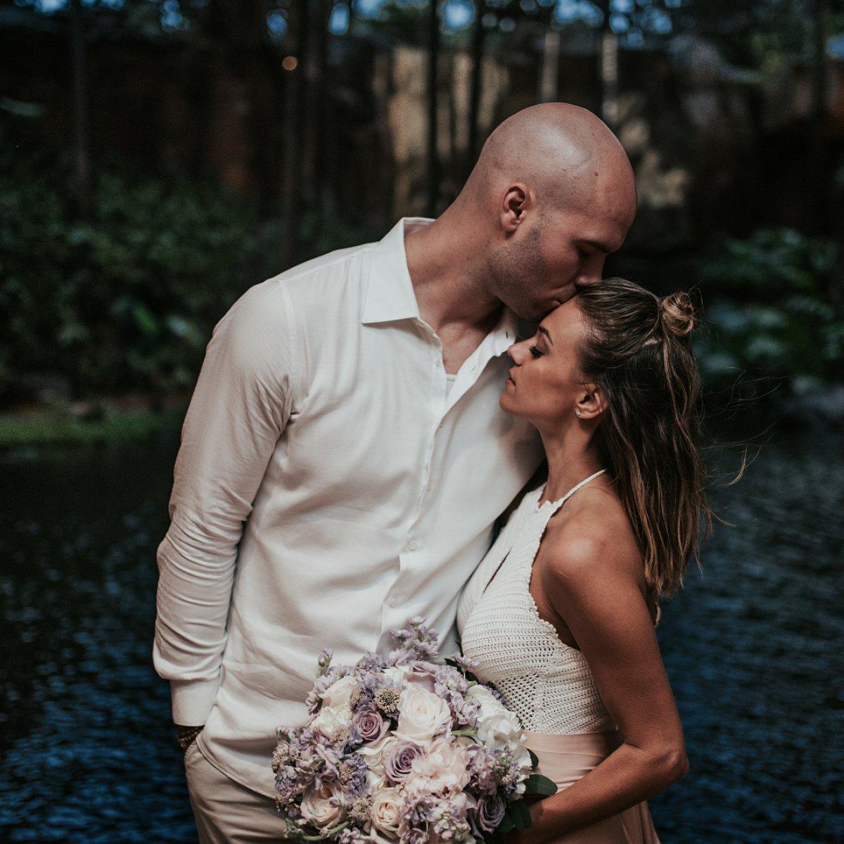 Jana kramer renews wedding vows with formerly estranged husband mike photo credit jana kramerinstagram junglespirit Gallery