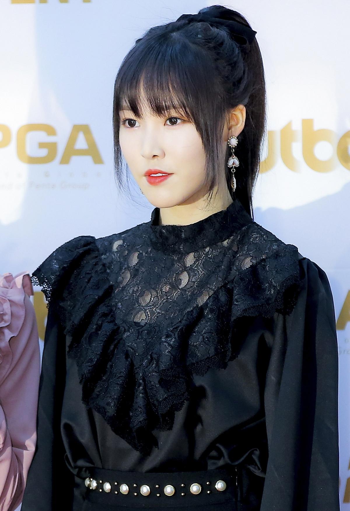 Yuju Profile - KPop Music