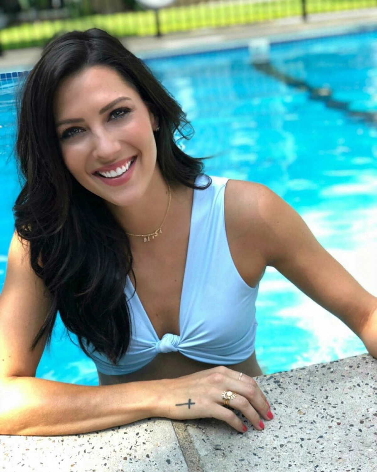 Becca Kufrin defends Tia Booth after Colton Underwood drama on \'The ...