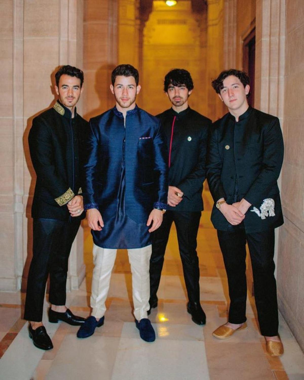 Nick Jonas Posts Wedding Photo With Brothers Joe Jonas