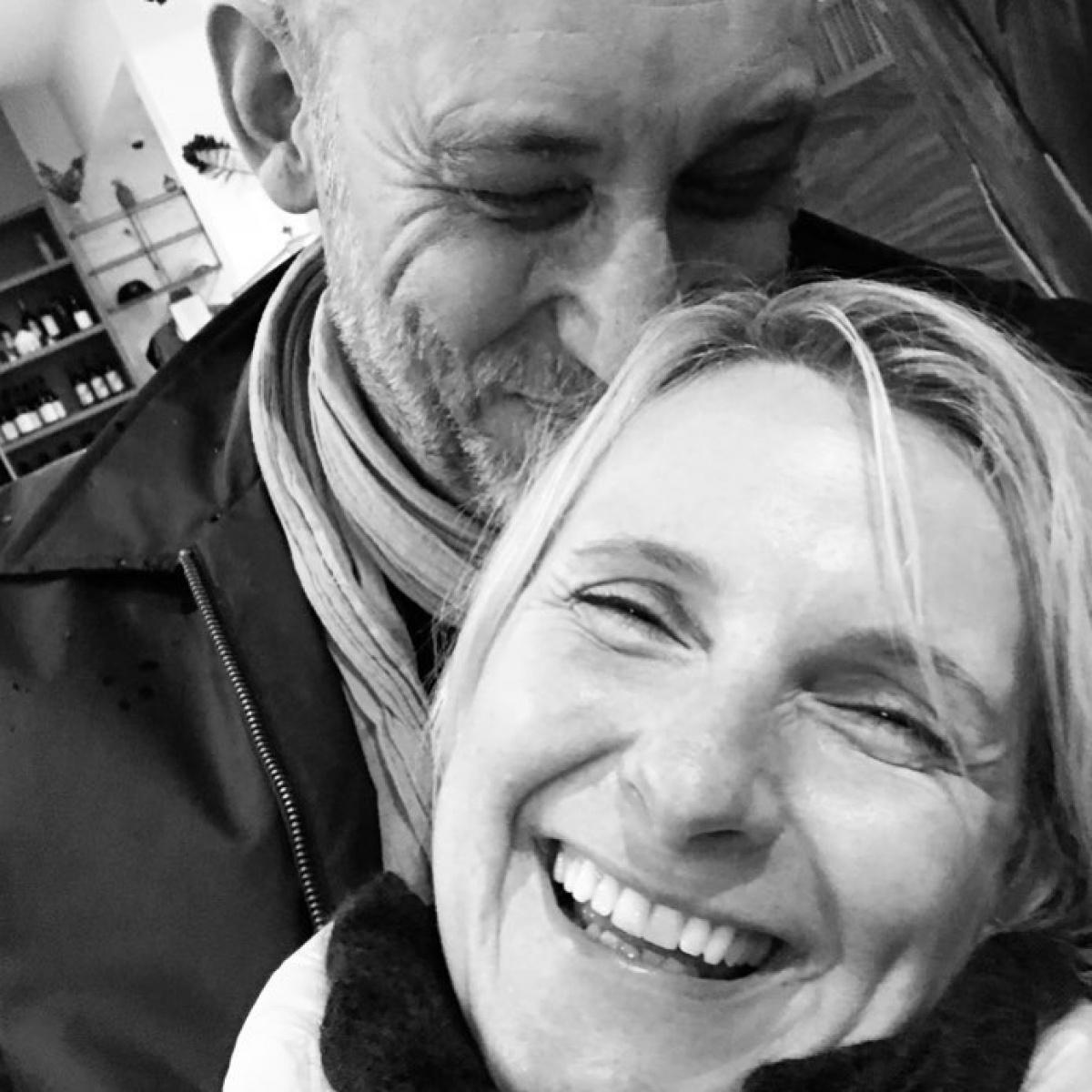Elizabeth Gilbert introduces new boyfriend Simon MacArthur ...