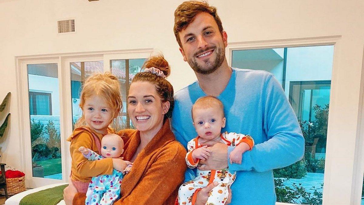 The Bachelor Alum Jade Roper Shuts Down Mom Shamer Over