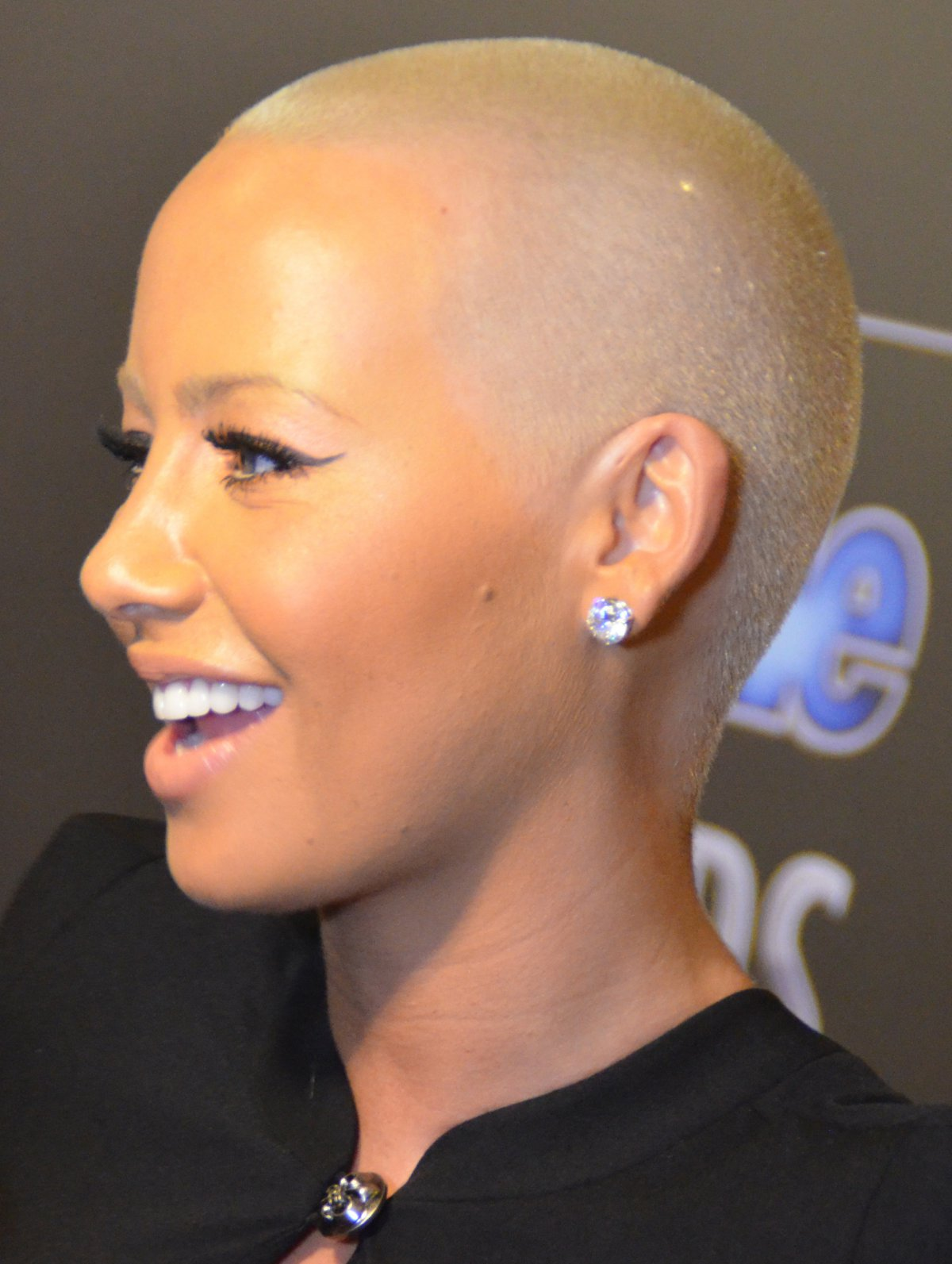 Amber rose kim kardashian appear to call truce after khalifa west get more reality tv world follow us on twitter like us on facebook or add our rss feed ccuart Gallery