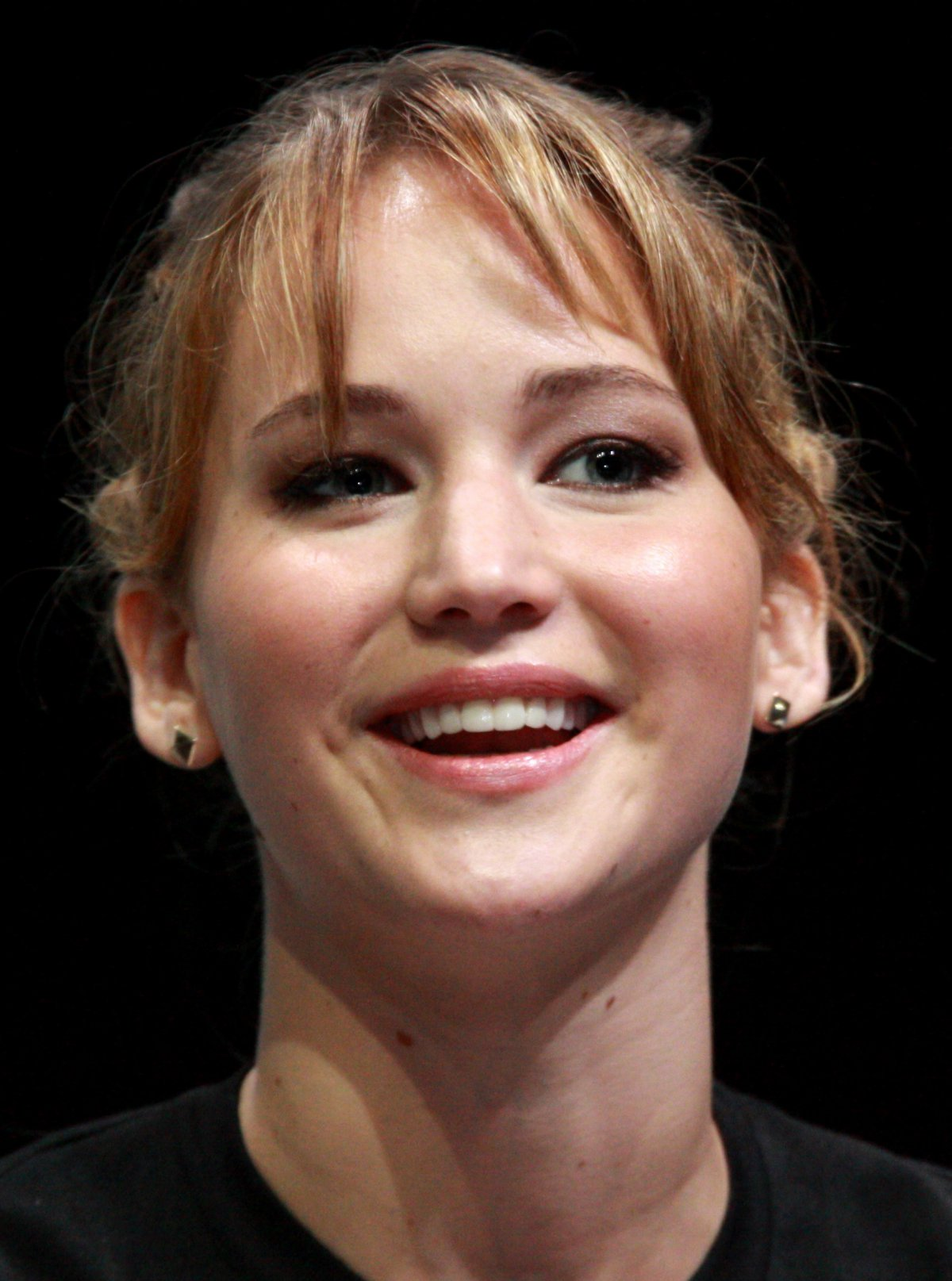 Jennifer Lawrence Gets A Facial After Sex
